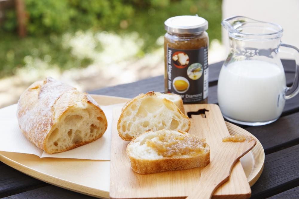 ハニージンジャージャムとパン